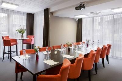 Why Hôtel - Lille - salle de réunion