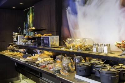 Why Hôtel - Lille - petit-déjeuner buffet