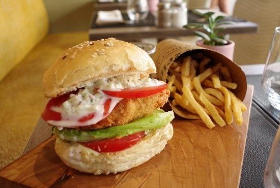 L'Arbre Voyageur - Ma Reine Bistro - burger