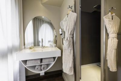 Why Hôtel - Lille - salle de bain